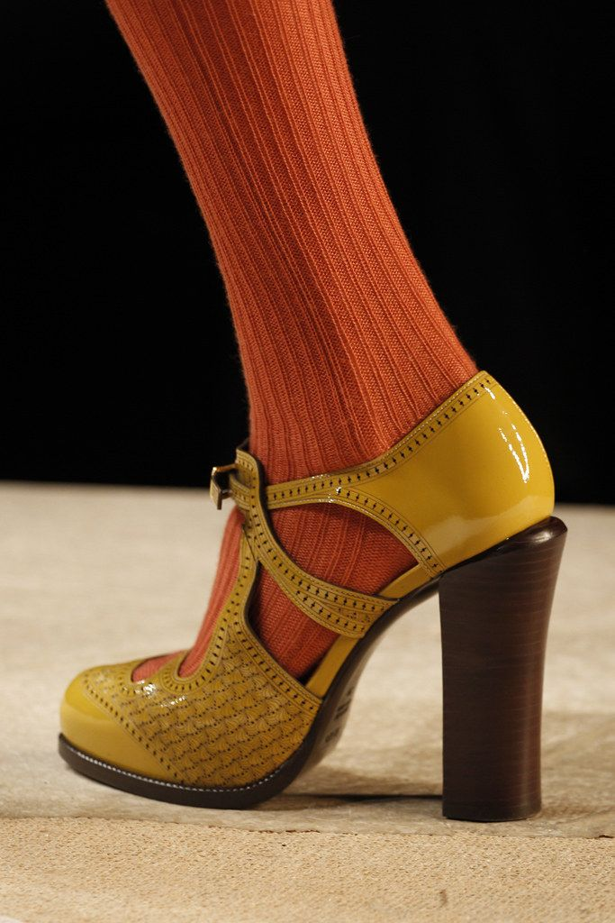 Photo of Fendi Fall 2011 Ready-to-Wear Fashion Show – Mellow YELLOW