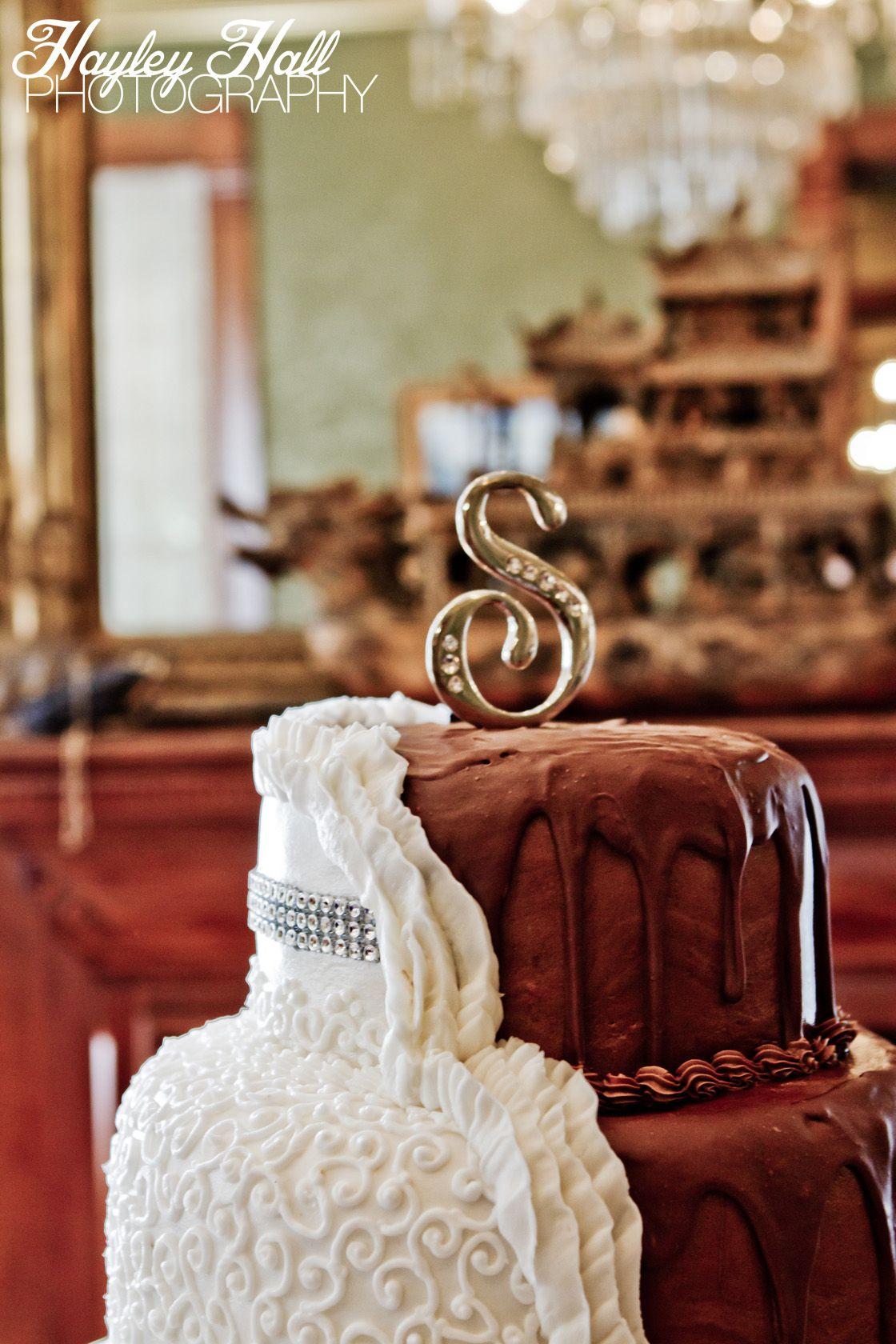 The Wise House, Paris, TX Wedding, Texas Wedding, Split Wedding Cake