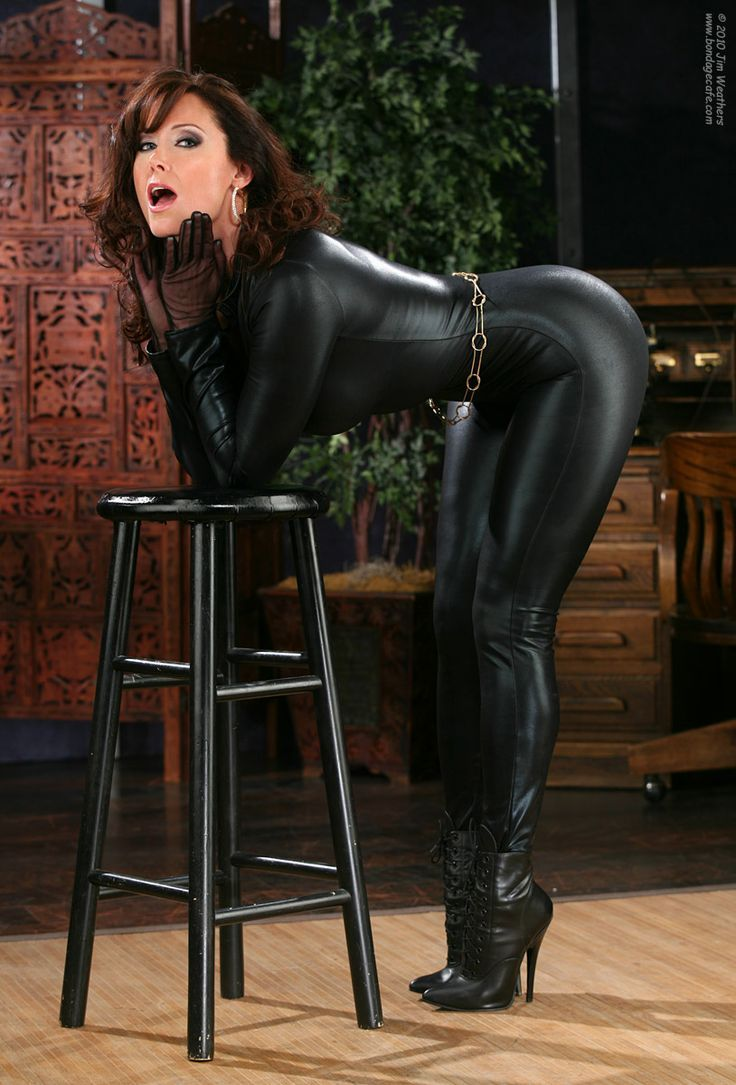 Shiny black latex outfit and fetishwear of sexy cougar olivi - 3 part 5