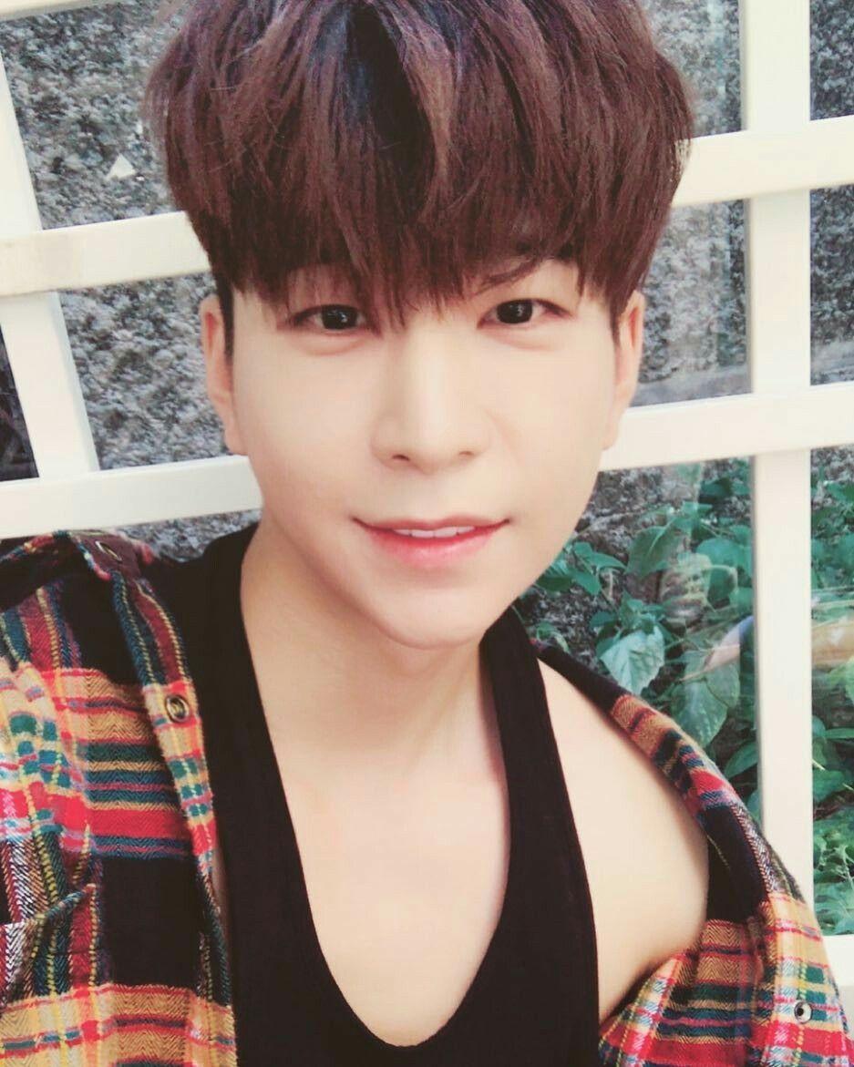 St Van Kpop Idol Kpop Asian Celebrities