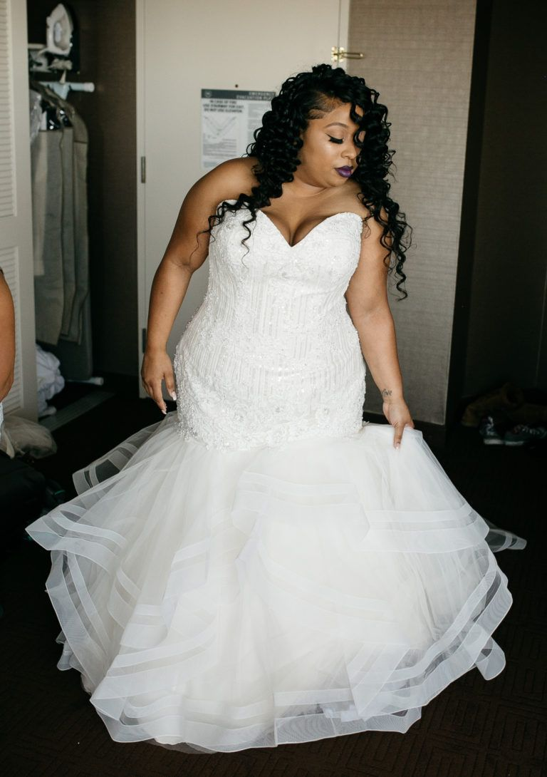 Amber Garon S Elegant Ceremony At The Performing Arts Center In Cerritos Ca Strut Bridal Salon Wedding Dresses Plus Size Bridal Dresses Bridal Gowns [ 1090 x 768 Pixel ]