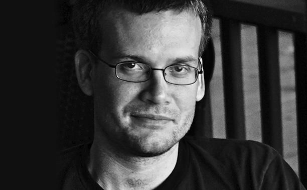 John Green's guide to summer books: See his list, plus one recommended beach read | EW.com