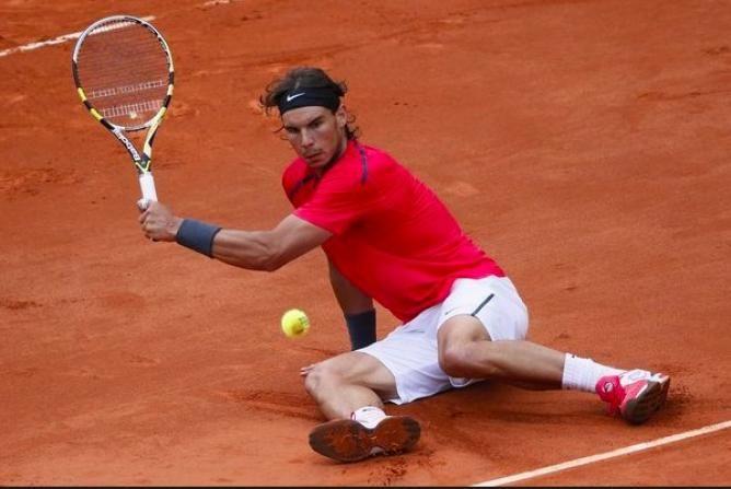 Rafael Nadal Using Water Bottle During His Preparation For Clay Court Season French Open Rafael Nadal Tennis