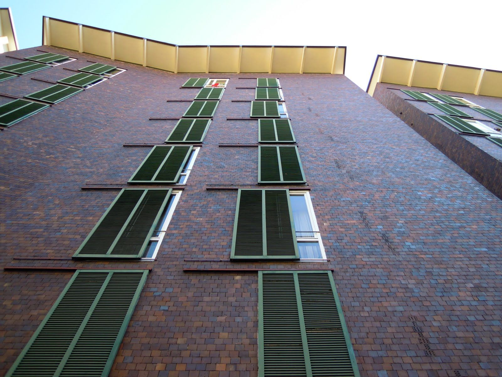 Casa impiegati borsalino gardella absorbing modernity for Casa borsalino gardella