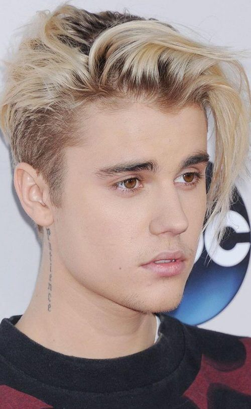 Side-Swept-Bangs-with-Dark-Roots-Justin-Bieber-500×812 | Moda justin ...
