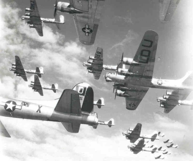 B-17 bomber formations | WWII Aircraft | Ww2 planes ...
