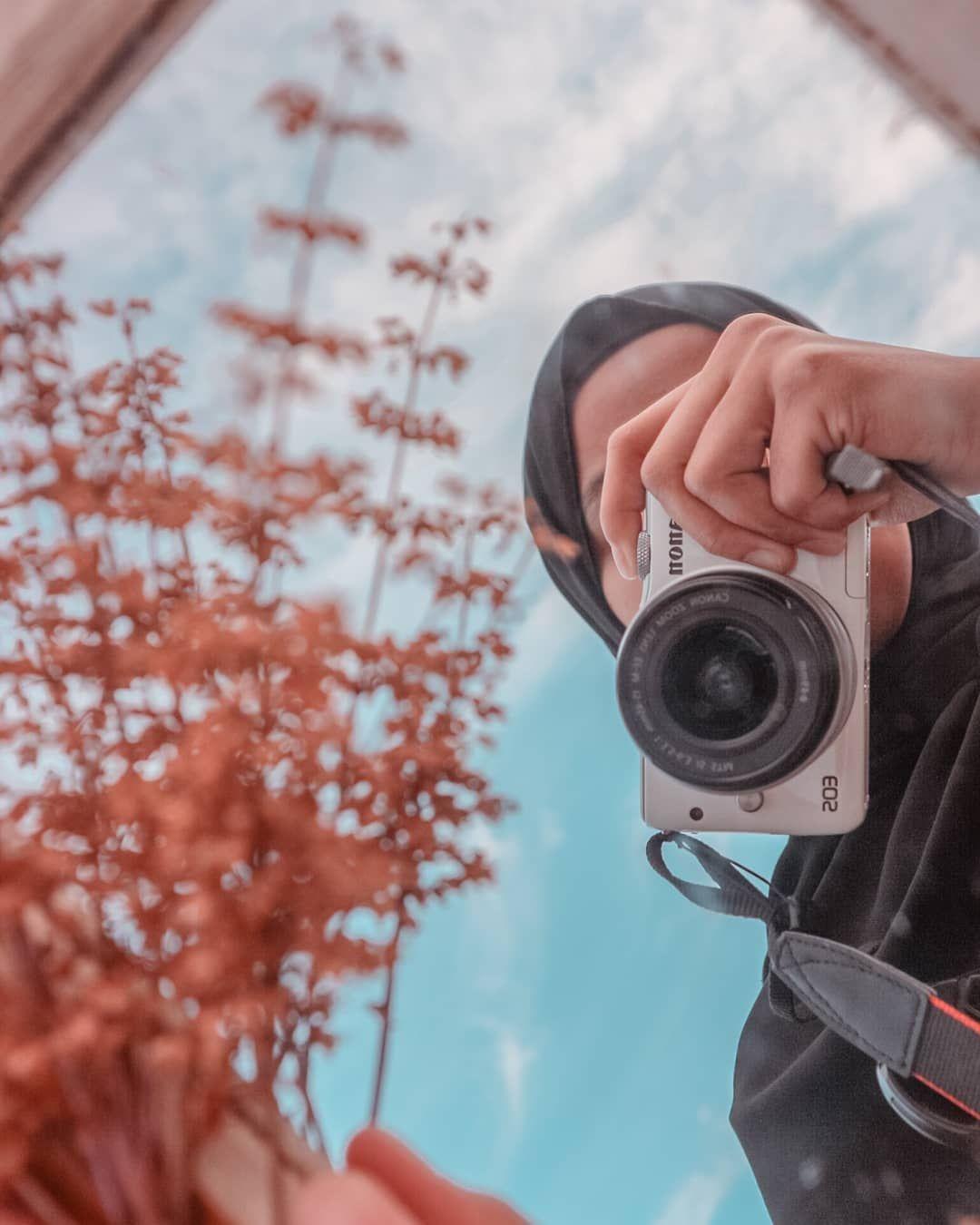 Ngaca diri.  Inframe : @kunuy04_ #lff #lfl #lff❤ #lfl💛 #lightroompresets #lightroomindonesia #lightroommobile #lightroomtutorials #lightroom #virtual #virtualphotography #photoshoot #photooftheday #photographyislife #photoeveryday #photographer #photography #zonaphotography #aesthetic