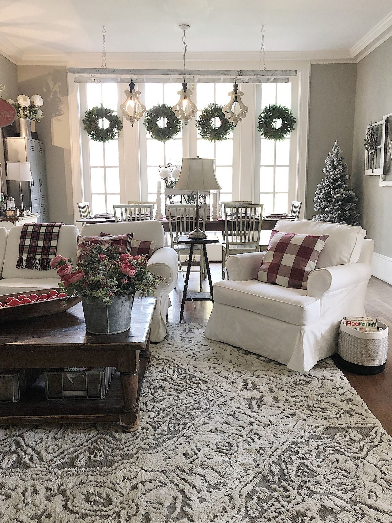 wreaths (With images) | Farm house living room, Rustic ...
