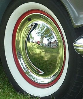 Smoothie Hubcaps Amp Moon Wheel Covers Photos Vroom