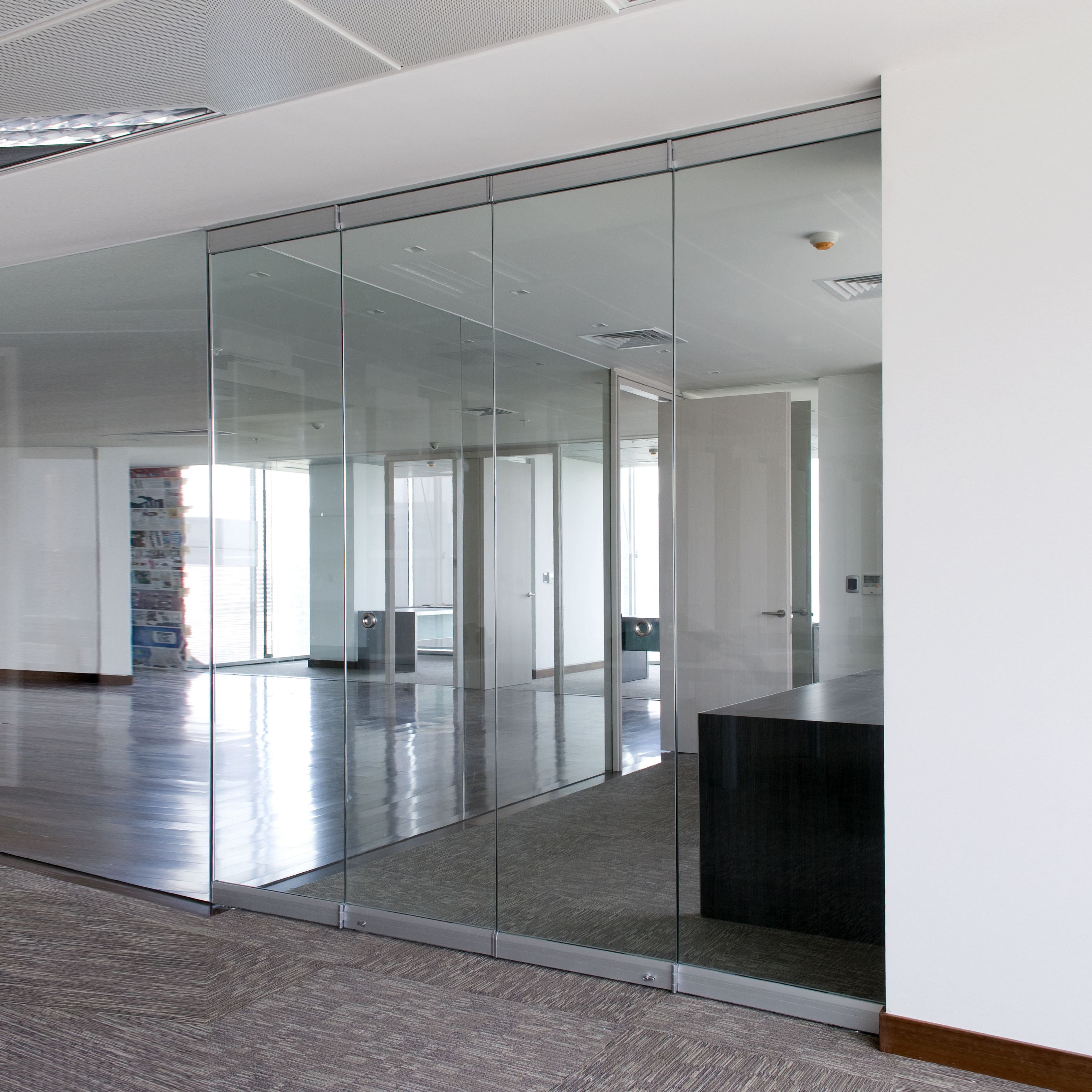 sistema plegable colgante para puertas de vidrio de hasta