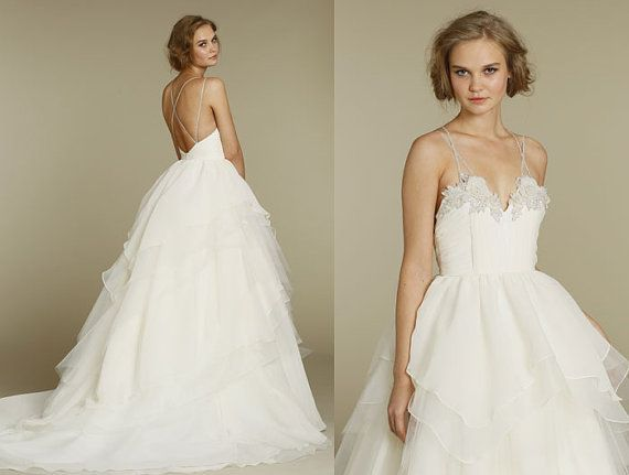 White Organza/Lace Ball Gown Wedding Dress V-neck
