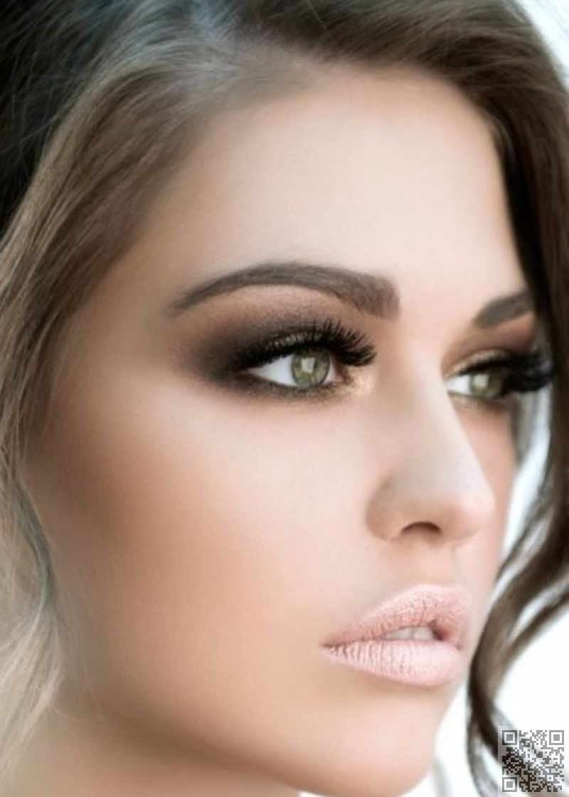 love the gold-bronze-dark brown eye makeup. really make the