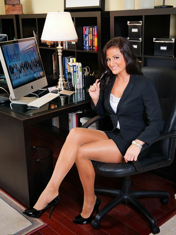 Stunning office milf cockriding her boss