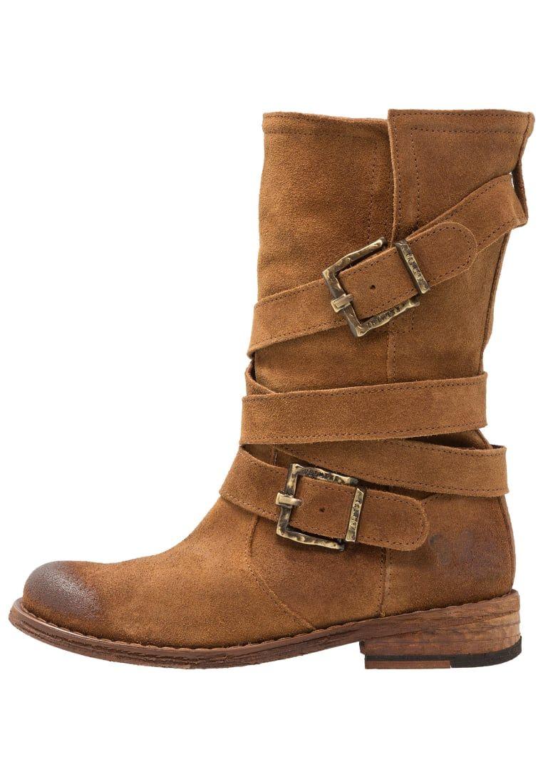 c582fc21b ¡Consigue este tipo de botas camperas de Felmini ahora! Haz clic para ver  los