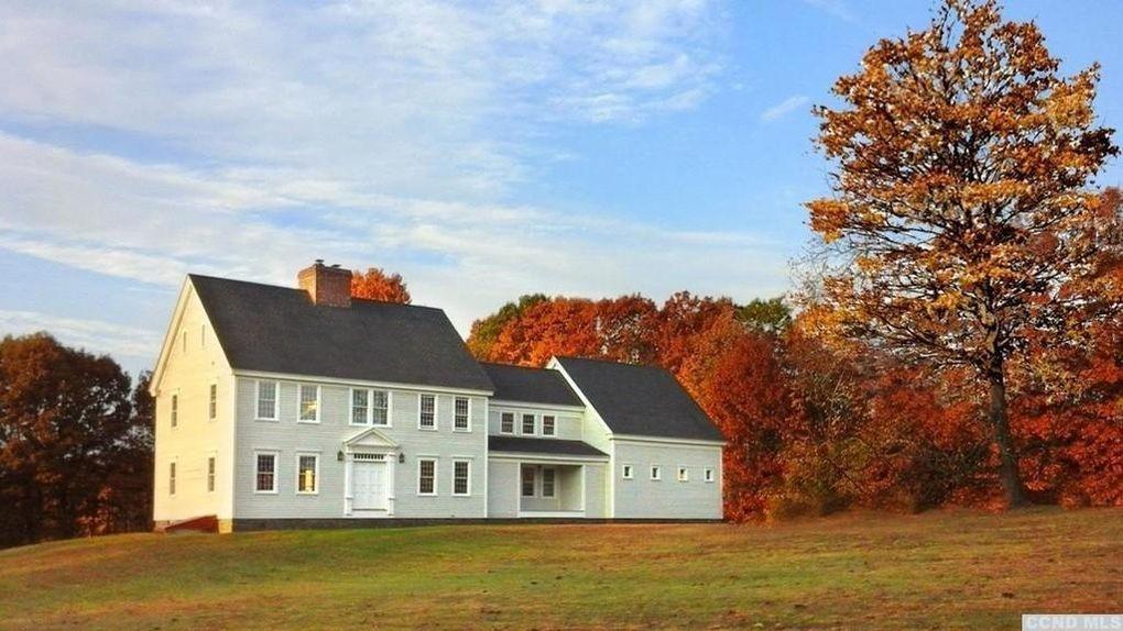 New England farmhouse New england farmhouse, House