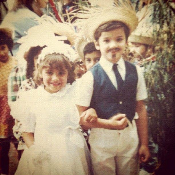 Procurando um casamento desde junho de 1989. Feliz dia da criança focada! #couple #kids - @livialira- #webstagram