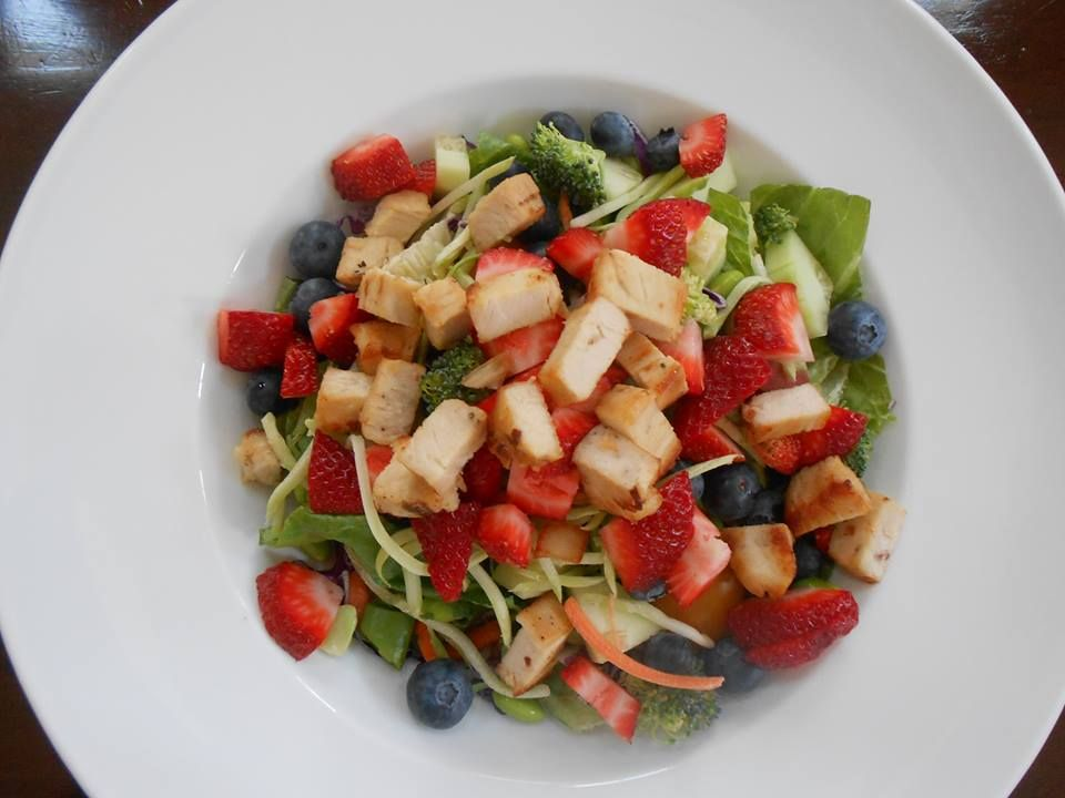 Salad with Fruit and Chicken