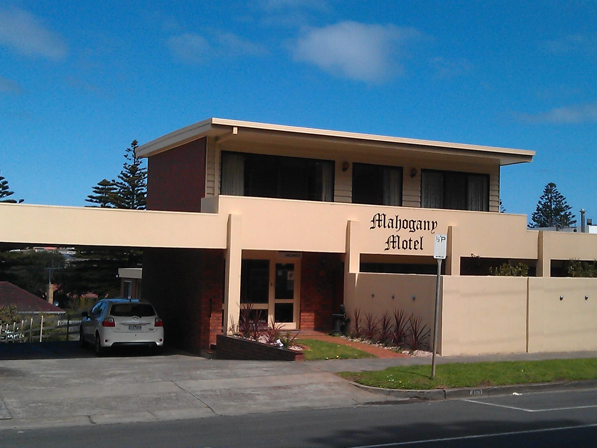 Warrnambool Mahogany Motel Australia, Pacific Ocean and Australia Mahogany Motel is a popular choice amongst travelers in Warrnambool, whether exploring or just passing through. The hotel has everything you need for a comfortable stay. Free Wi-Fi in all rooms, Wi-Fi in public areas, valet parking, laundry service are on the list of things guests can enjoy. Each guestroom is elegantly furnished and equipped with handy amenities. Recuperate from a full day of sightseeing in the ...