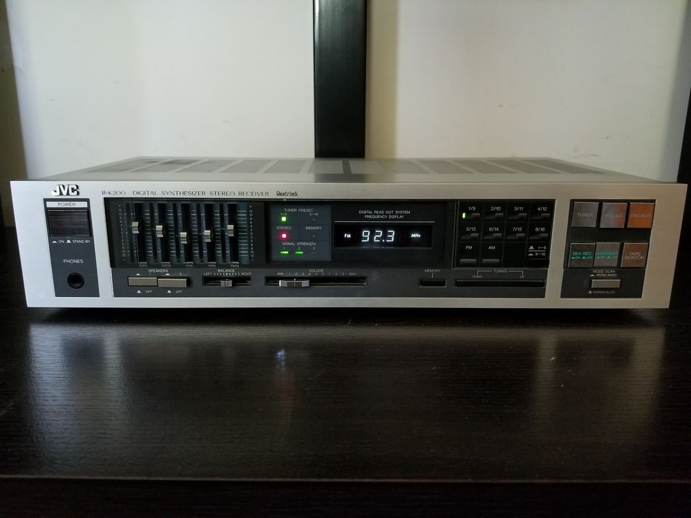 1983 JVC R-K200 Quartz Lock Digital Synthesizer Stereo