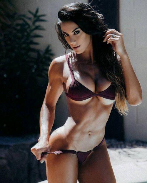 muscle-freak-women-nude-picture