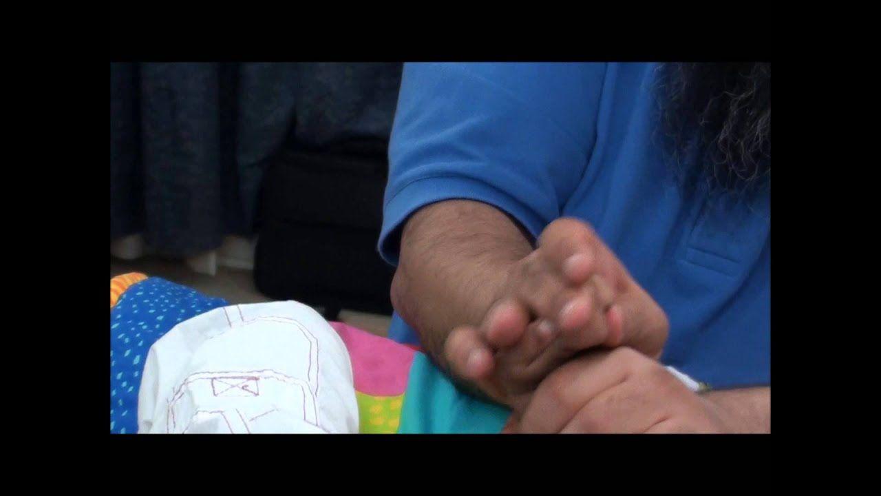 تدريب لكف اليد لطفل شلل دماغي مع أسامة مدبولي Cerebral Palsy Hands Holding Hands