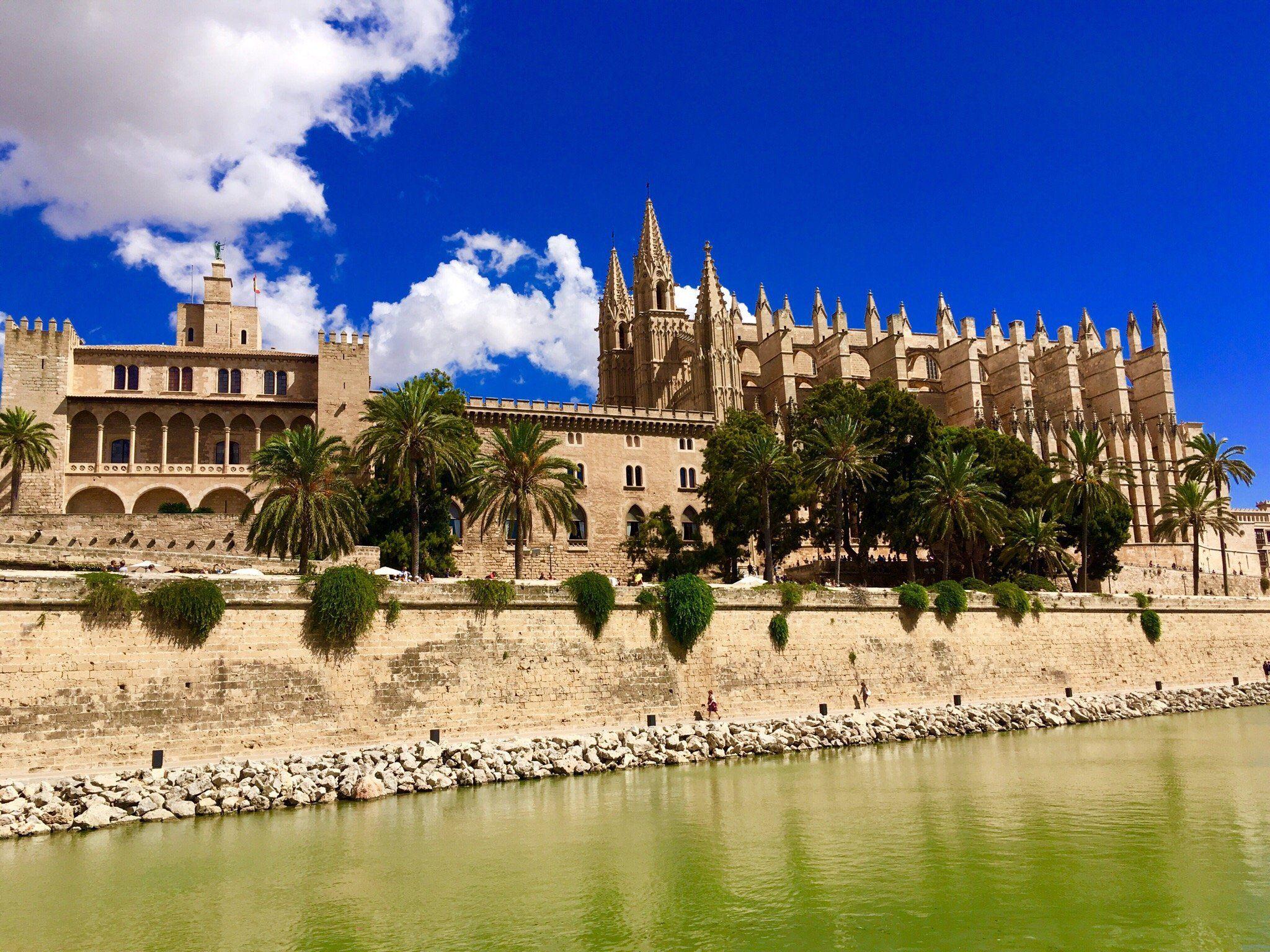 Catedral De Mallorca Palma De Mallorca 2020 Alles Wat U Moet Weten Voordat U Vertrekt Met Foto S Palma De Mallorca Coastal Cities Beautiful Architecture