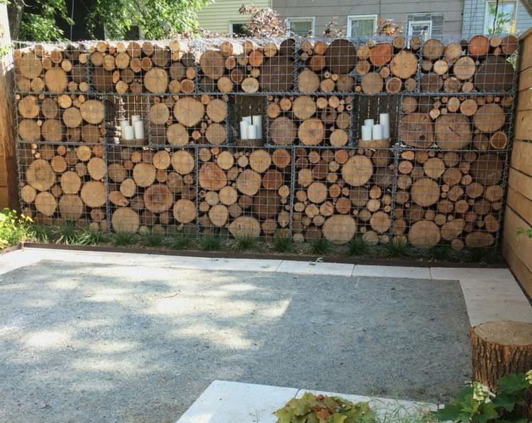 Den Garten Mit Einer Gabionen Wand Mit Holz Dekorieren