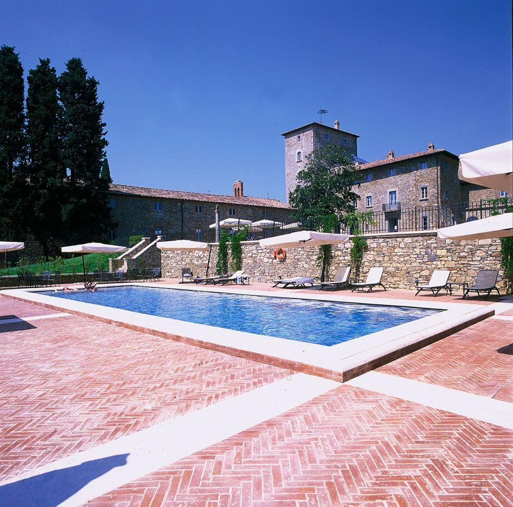 Set Location: Relais Borgo Scopeto (http://www