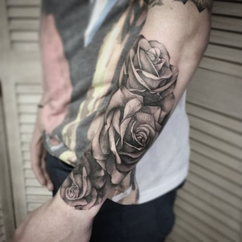 Black And Grey Realism Roses By Me Logan Bramlett Wanderlust Tattoo Society Akron Ohio Rose Tattoos For Men Rose Tattoo Sleeve Men Flower Tattoo