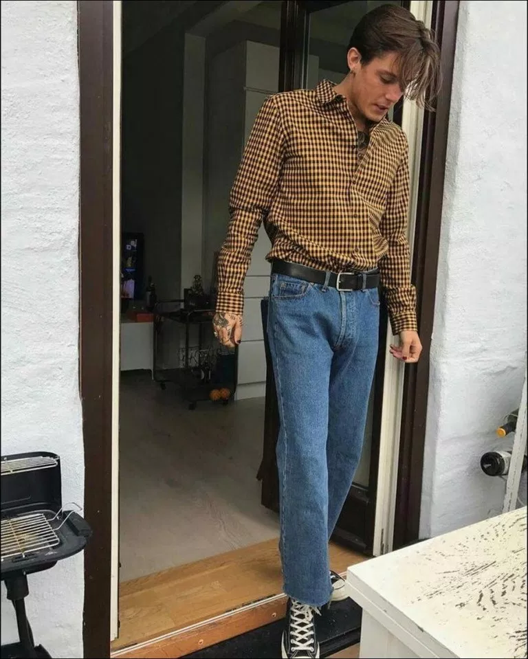 Stunning 80s Mens Fashion Fashion Gens The Cuffs Turned In Tight And Folded Up 80s Fashion Men Mens Fashion Denim 80s Fashion Trends