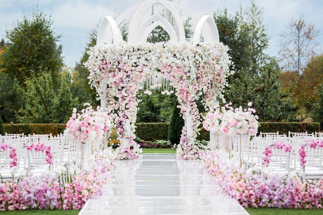 Breathtaking 15+ Amazing Spring Wedding Decoration Ideas