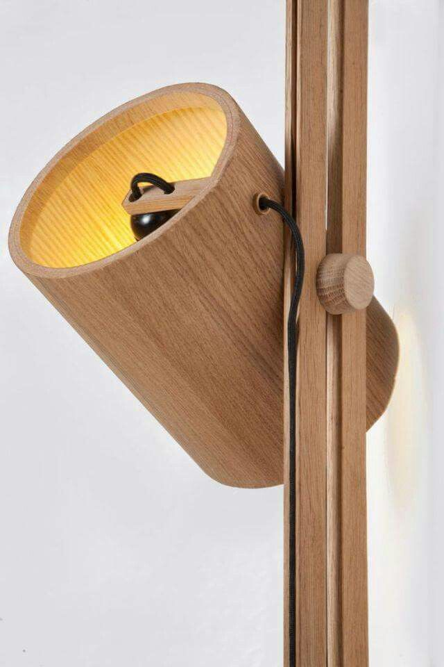 Lampe verstellbar fürs Wandregal unter der Schräge in der ...