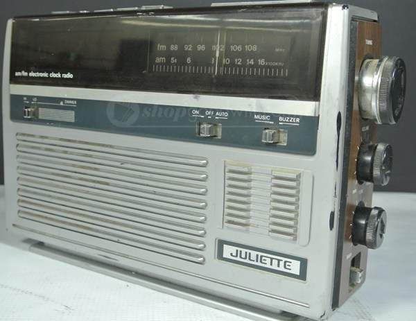 Juliette AM/FM Clock Radio | Vintage Electronics | Tape recorder