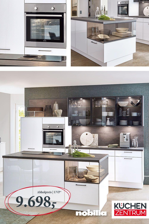 Kuchenkombination Mit Glas Elementen Kuche Landhauskuche Haus Kuchen