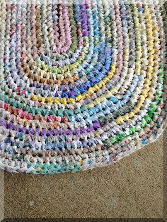Ppinss Braided Rugs Diy Fabric Strips How Much Material Is Needed For Braided Rugs Braided Rugs Diy In 2020 Braided Rug Diy Crochet Rug Rag Rug