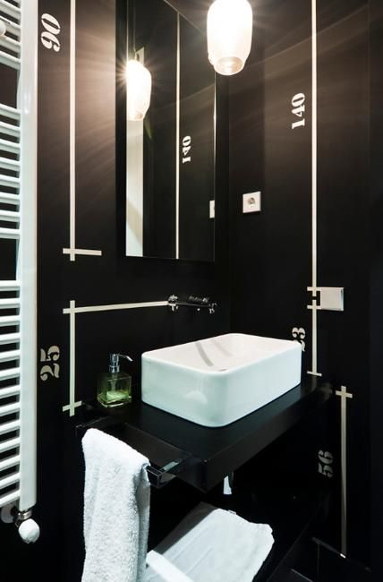 22 Small Bathroom Remodeling Ideas Reflecting Elegantly Simple Latest Trends Small Bathroom Remodel Bathroom Design Inspiration Bathroom Design Black