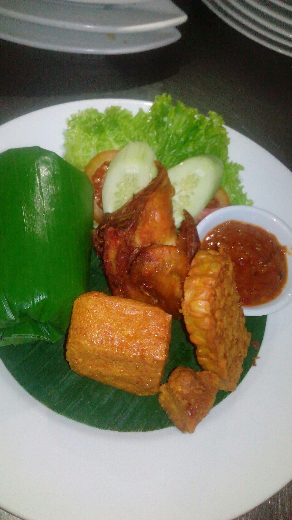 Jalan Boscha No 45 Cipaganti Bandung Tradisional