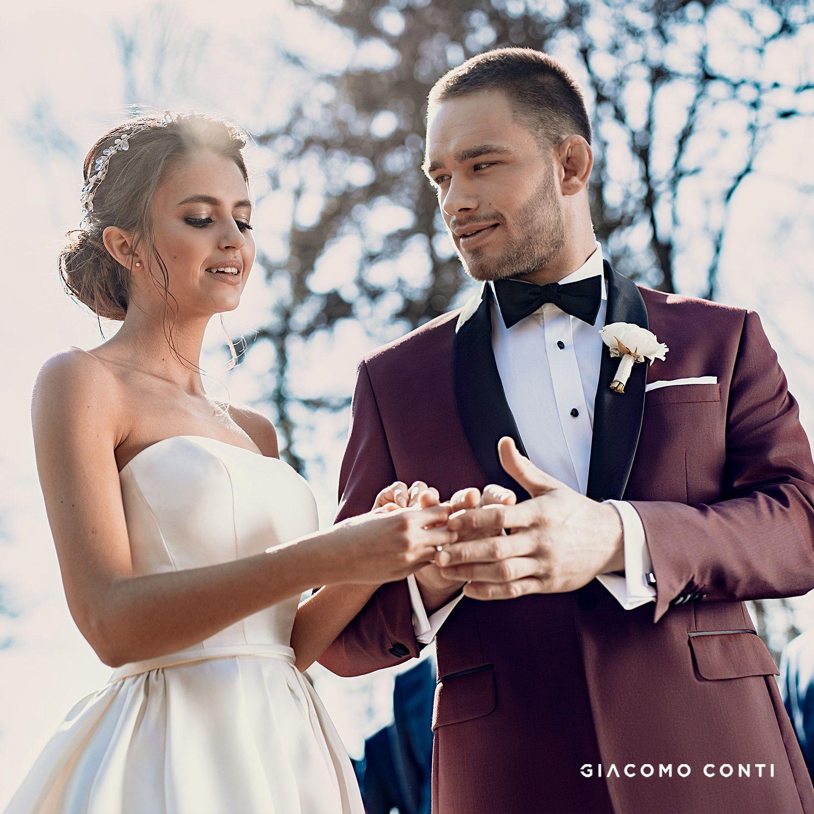 Bordowy Garnitur Na Ceremonie Zaslubin Wedding Dresses Strapless Wedding Dress Dresses