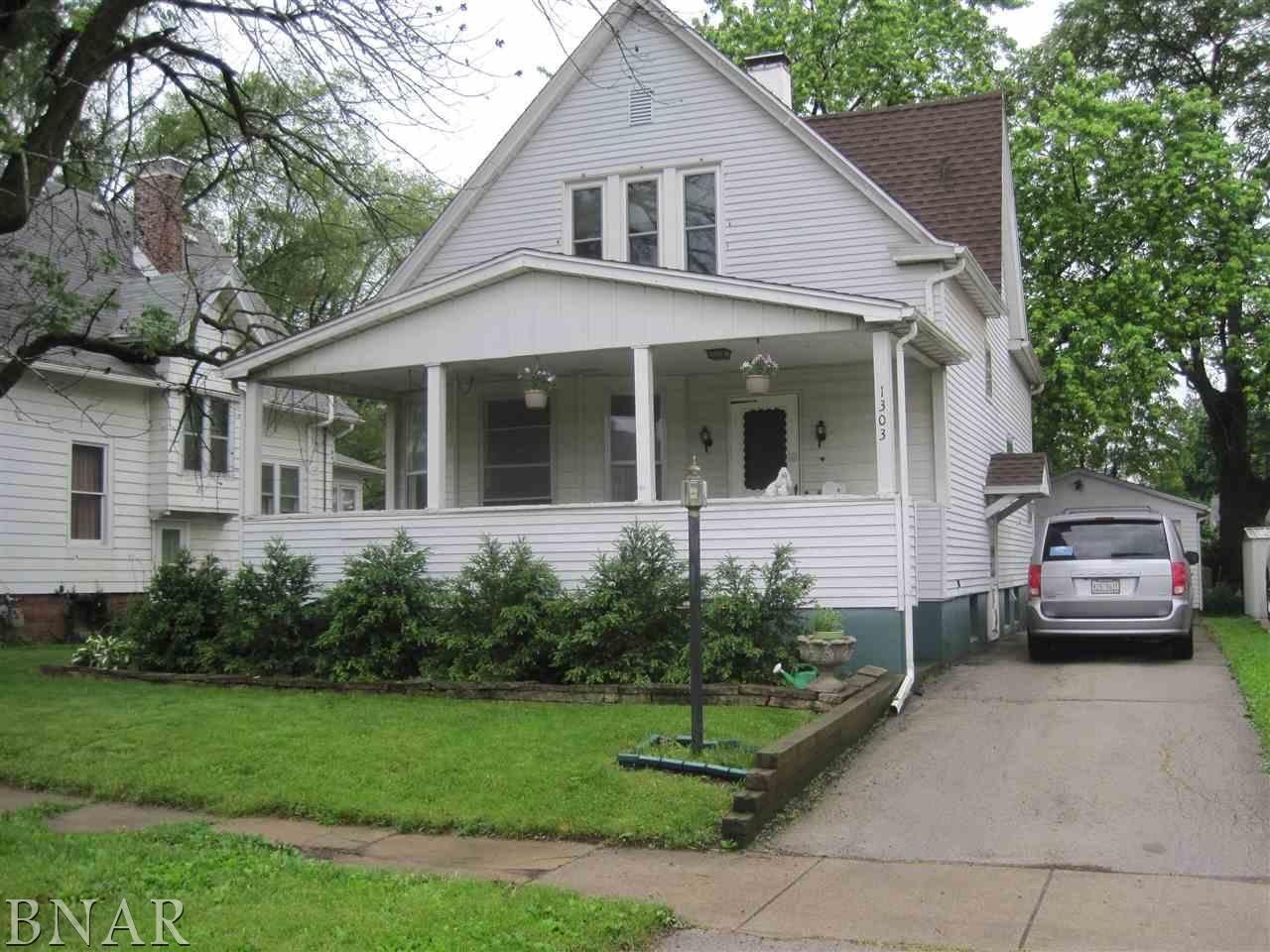 For sale 103900 1303 s center st bloomington il 61701