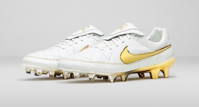 Nike Tiempo Legend V R10 Gold Football Boots Football Boots Nike
