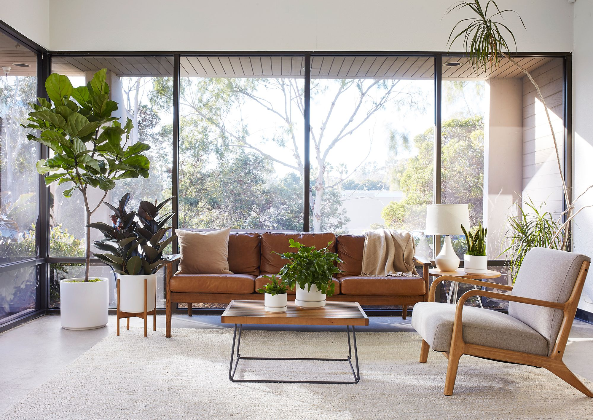 Six Characteristics of Mid-Century Modern Style (And How to Use ...