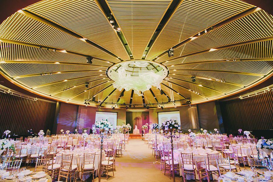 wedding reception venues cost%0A Jamie and Gidania u    s Roaring Twenties Wedding at Capella