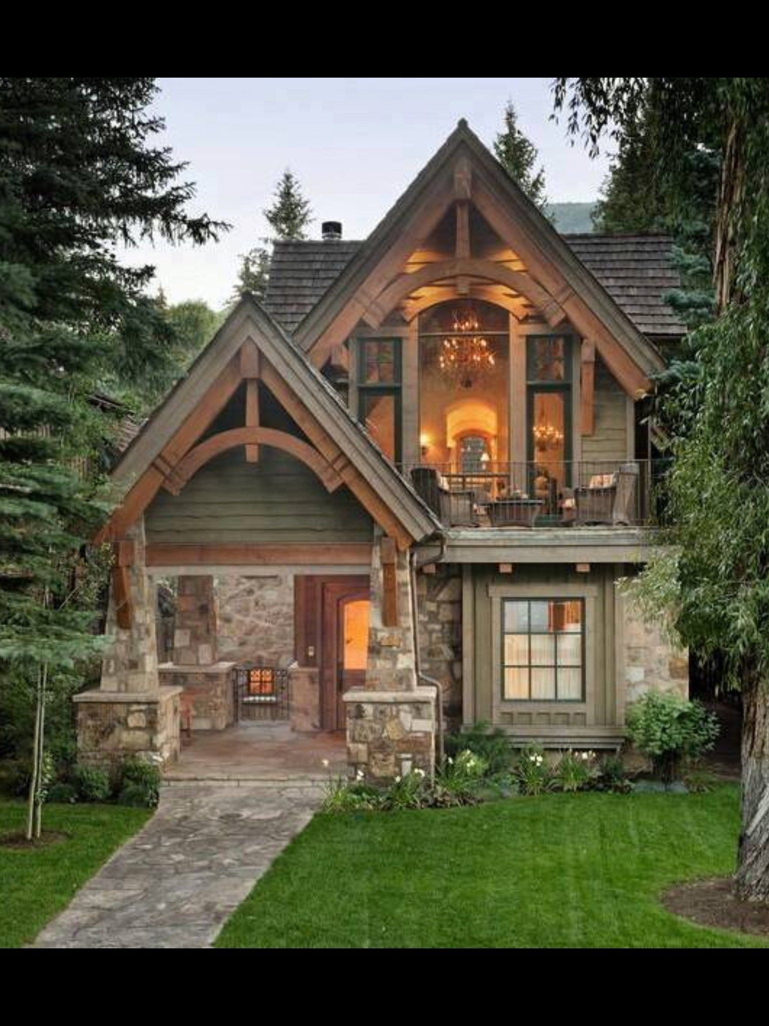 40 Unique Rustic Mountain House Plans With Walkout Basement Cottage House Exterior Small Cottage Homes Cottage Homes