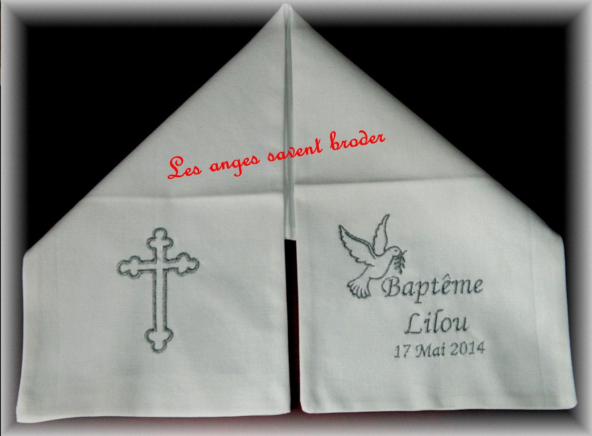 Echarpe de baptême enfant lin blanc double broderie personnalisée prénom +  date + motif colombe   Croix   Autres par les-anges-savent-broder 365fa5ba150