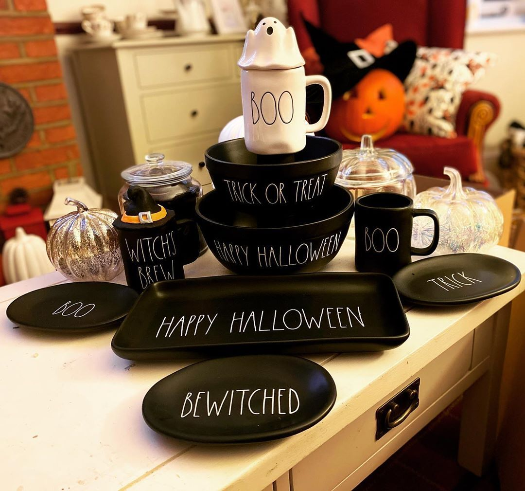 And just like that ,the Rae Dunn collection is packed away for another year! 🎃👻🕸 • • • • • #me #raedunnuk #ukraedunn #raedunn #homebargains #poundland #bmstores #tkmaxx #diy #crafts #craft #halloweenuk #raedunncollection #ikea