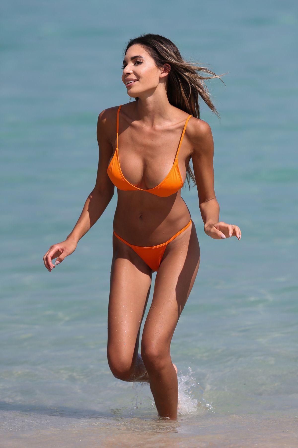 Jasmine Tosh Nude Photos 12