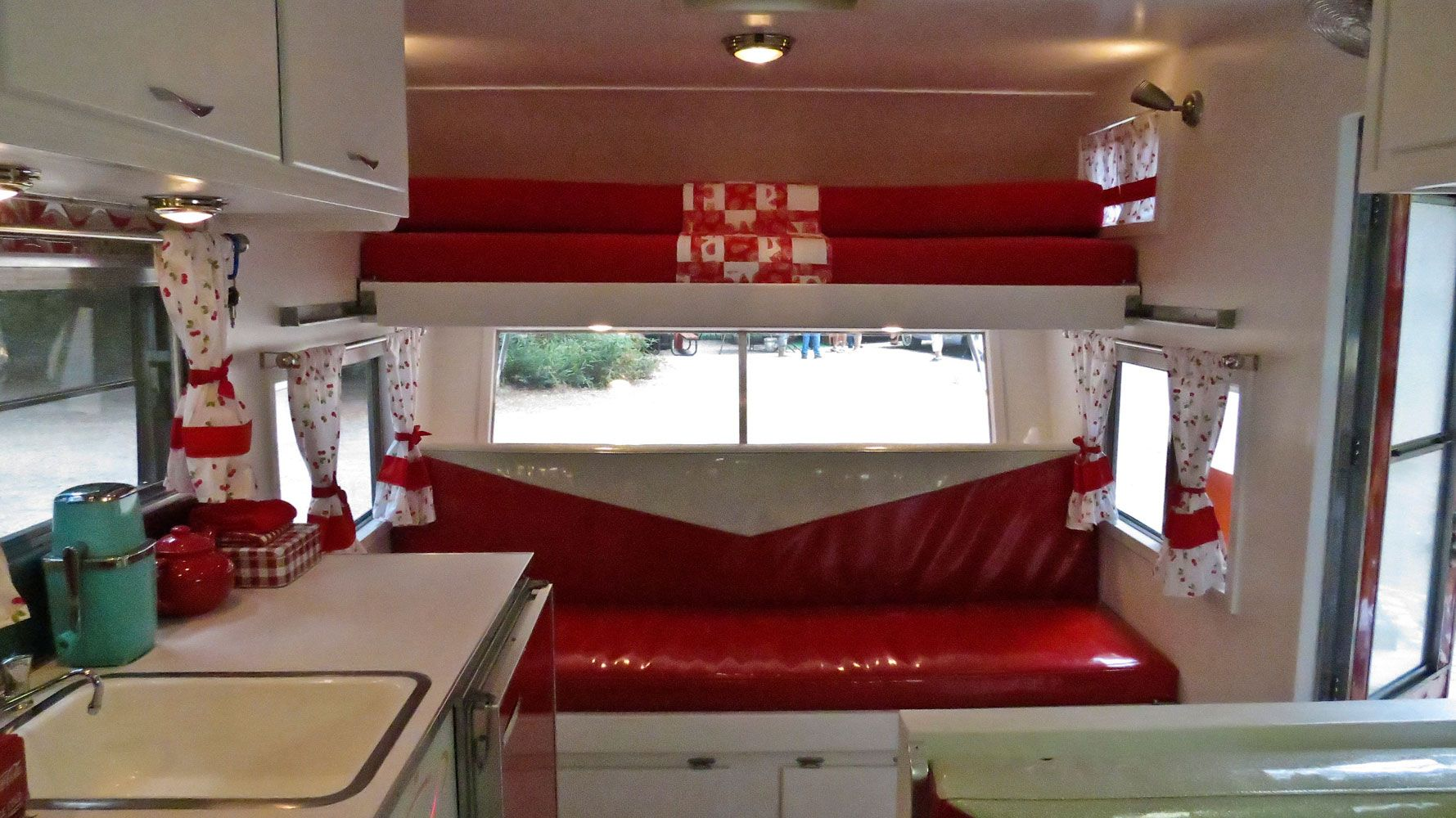 Wall Colour Inspiration: Vintage Travel Trailer Interiors