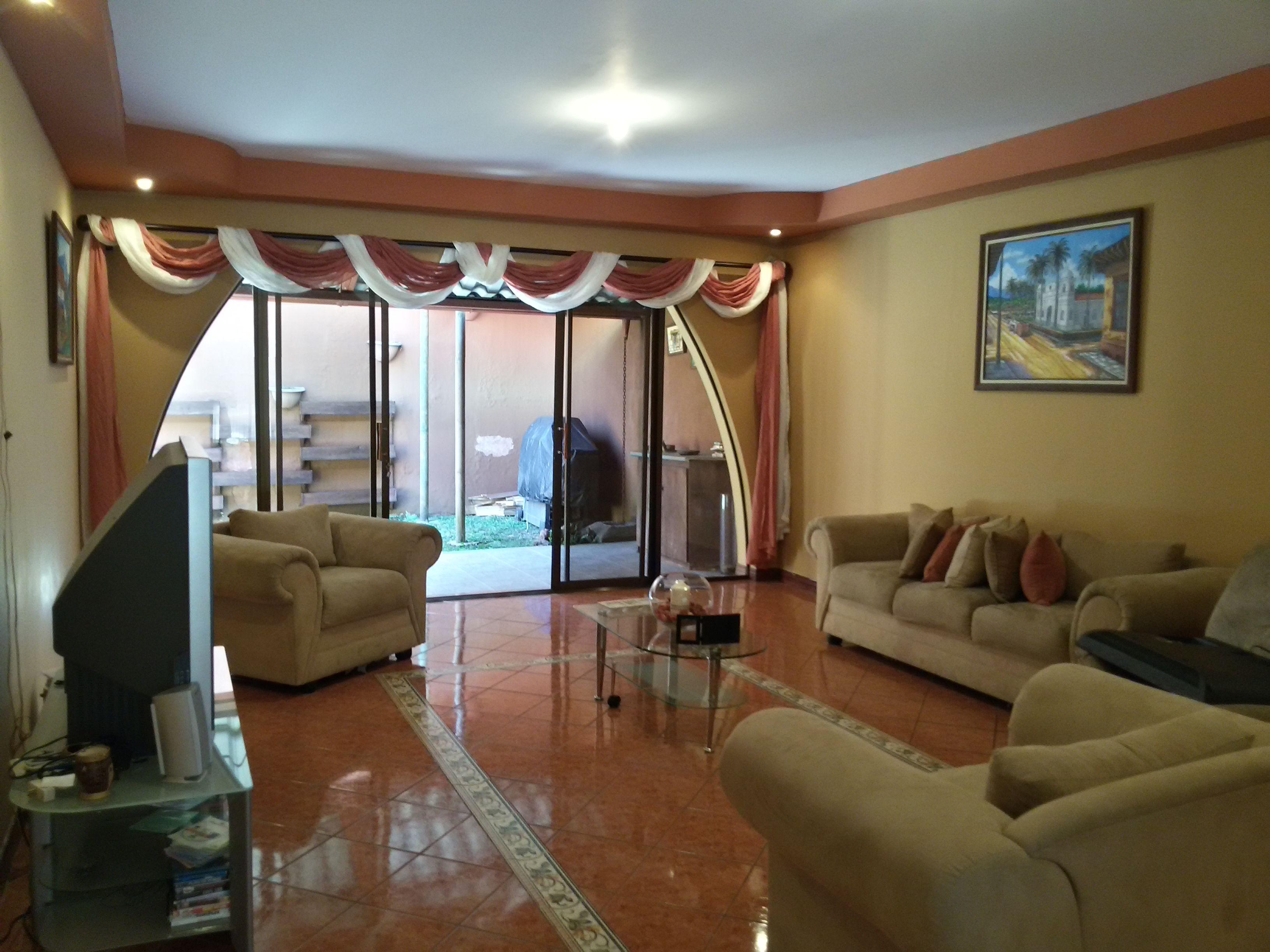 casa a la venta en San Antonio de Coronado 01 Casas