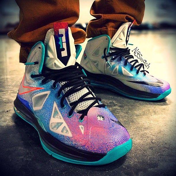 premium selection 112c9 67d5d Pure Platinum Nike LeBron X