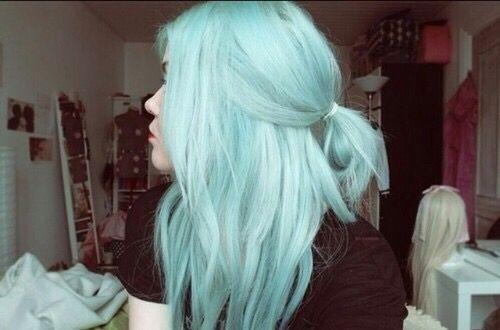 I'm gonna dye my tips this color when I get older
